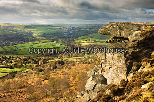 photo showing Curbar Edge And View, Derbyshire