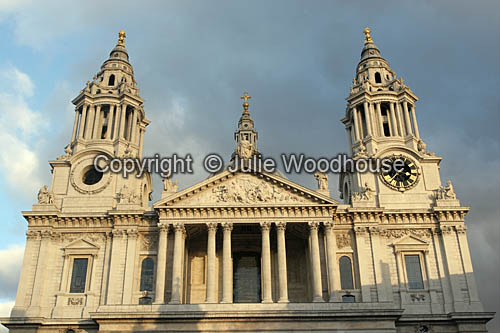 photo showing St Paul's Cathedral, London