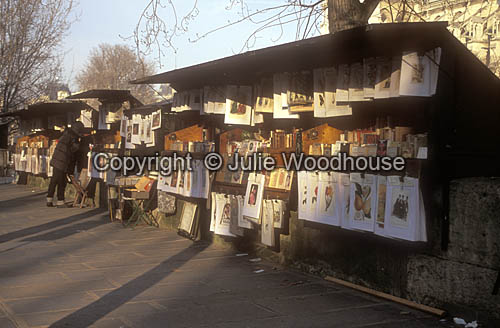 photo showing Les Bouquinistes, Bookstalls Along The Seine, Paris