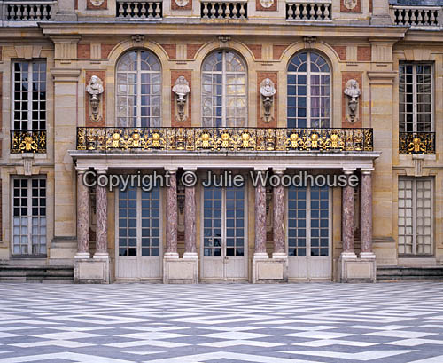 photo showing Versaille Palace,  Marble Courtyard, Paris