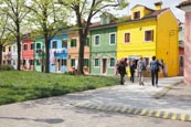 Thumbnail image of coloured houses of Burano, Veneto, Italy